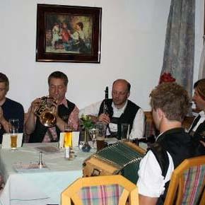 Blechbuam sind offizielle Musik des Leitinger Fanclubs!